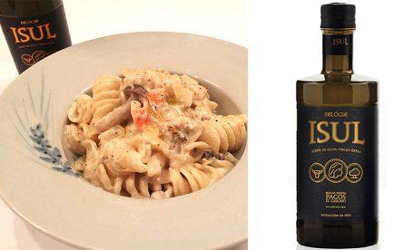 パスタと酸度0.1のオリーブオイルは相性抜群 キノコとゴルゴンゾーラのクリーム