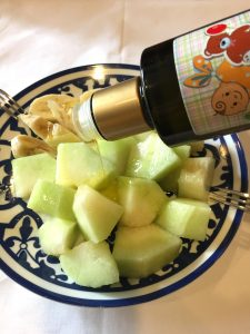 おすすめの食べ方 酸度0.1のエクストラバージンオリーブオイルをかけてフルーツを食べてみよう