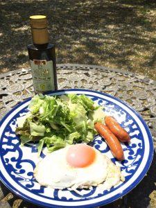 目玉焼きのおいしい食べ方 オリーブオイルをかけてみよう