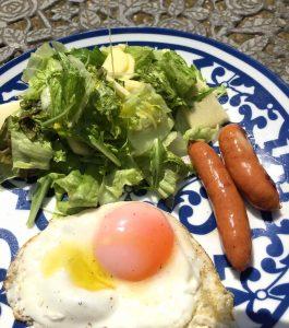 酸度0.1のエクストラバージンオリーブオイルであるカスティージョ・デ・タベルナス0.1でおいしい朝食を。