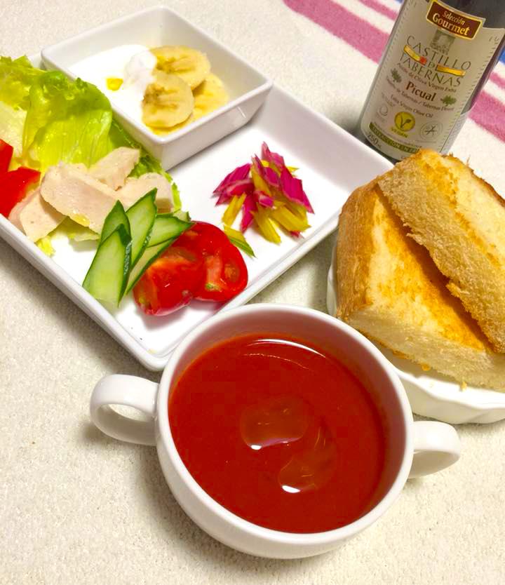 早起きは酸度0.1のエクストラバージンオリーブオイルで素敵な朝食を