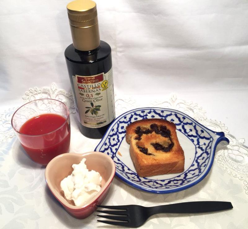 酸度0.1 オリーブオイル 塩ヨーグルトで朝食