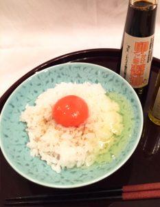 おすすめ卵かけご飯 おいしいオリーブオイルとお醤油で召し上がれ