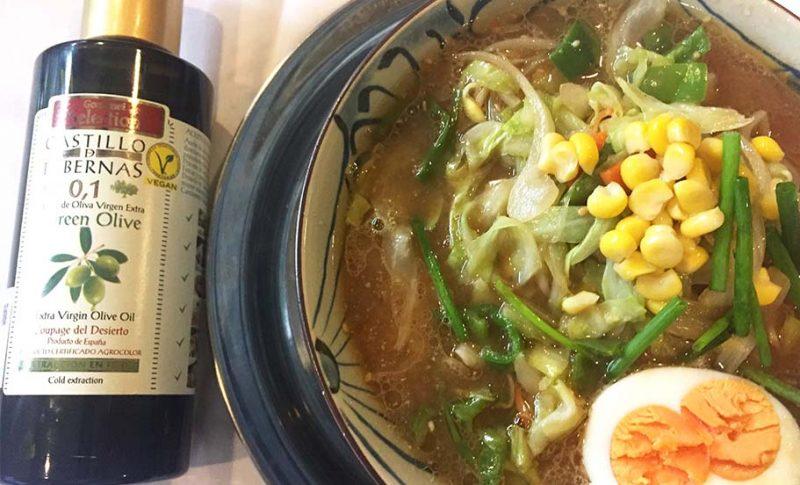 寒さが出てきた日々に、おいしい札幌ラーメンと酸度0.1のエクストラバージンオリーブオイルを