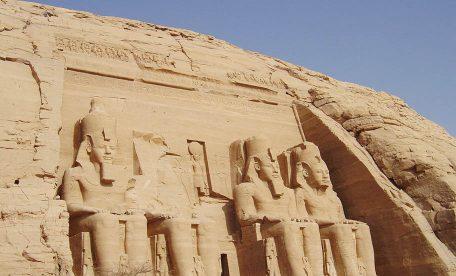 オリーブオイルの歴史~古代エジプトと黄金の雫